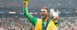Liverpool Keeper, Adrian Sleeps With UEFA Super Cup Trophy [SEE PHOTO]
